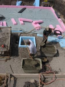 17.07.2013 Der Bodenablauf wird vorbereitet
