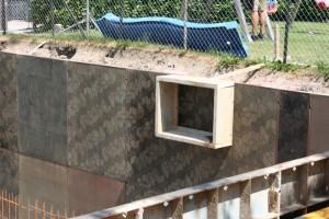 22.07.2013 Platz für die Kellerfenster wird ausgespart