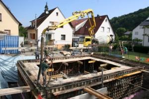25.07.2013 Es wird wieder Beton gepumpt