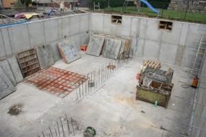 26.07.2013 Der Beton ist trocken, die Schalplatten werden entfernt
