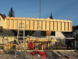 18.10.2013 Mit der zweiten Etage geht der Aufbau weiter