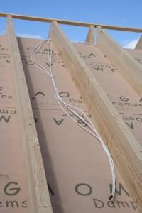 24.10.2013 Das Dach wird verkabelt