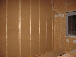 25.11.2013 Das Schlafzimmer ist mit Holzfasermatten gedämmt