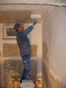 18.01.2014 Im Keller wird grauer Beton zu weißer Wand und Decke