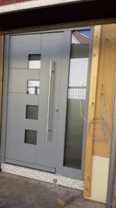 06.02.2014 Die Haustür ist montiert