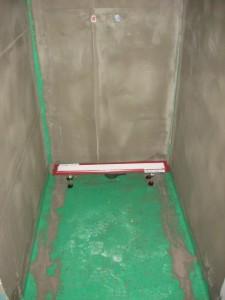 11.02.2014 Die Dusche im großen Bad wird für die Fliesen vorbereitet
