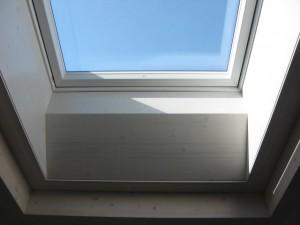 07.04.2014 Die Innenverkleidung des Dachfensters ist angebracht