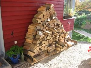 08.11.2014 Nun haben wir Holz vor der Hütte